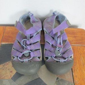 Keen Sandals Size 3
